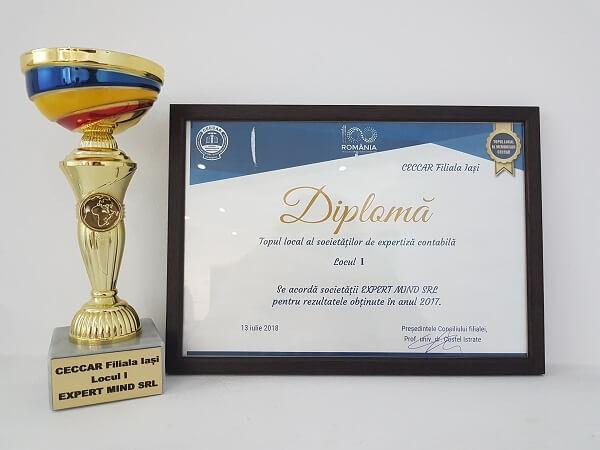 """Cupa concursului """"Ziua Nationala a Contabilului Roman"""" 2018 Locul I ExpertMind"""